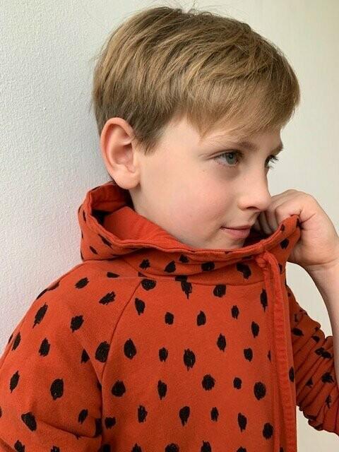 Bio Kuschelsweat skandi tannengrün mit crazy Dots