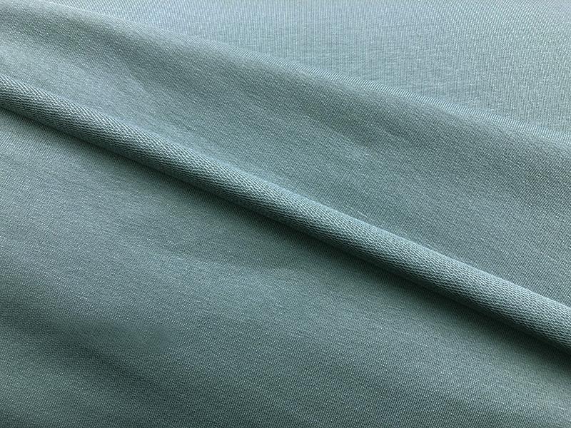 24 Helles Blau Grau Wandfarbe